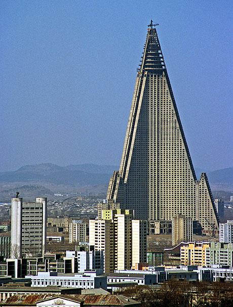 اغرب خمسين مبنى العالم ryugyong-hotel-lg.jp